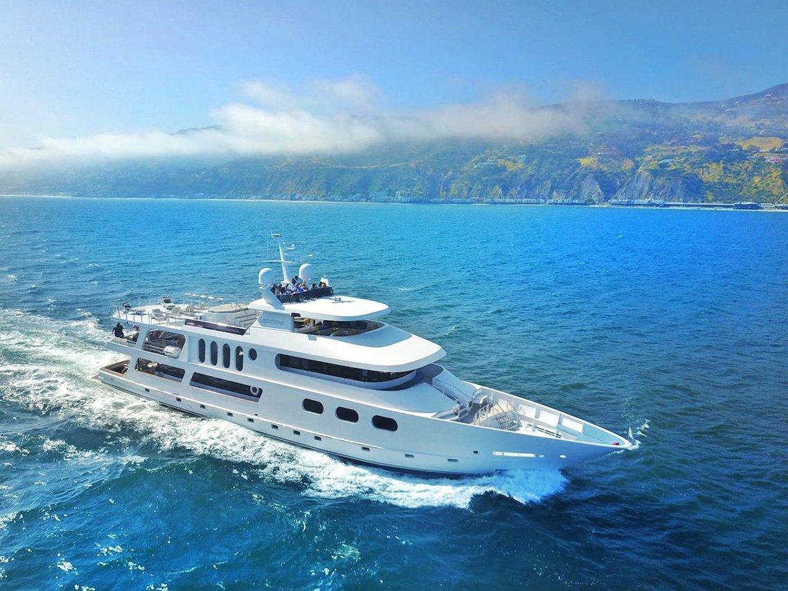 Luxury boat rentals Los Angeles, CA   Sun Coast Mega yacht 10382