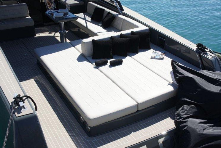 Boat for rent Van 39.63 feet in Marina Ibiza,
