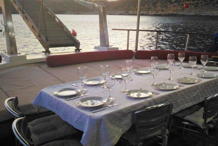 Motorsailer boat for rent in Trapani
