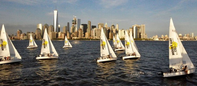 Discover Jersey City surroundings on this J/24 Custom boat