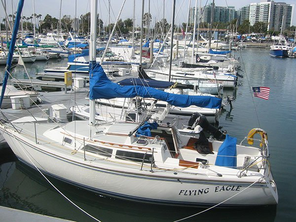 Explore California onboard this elegant 28' cruising monohull