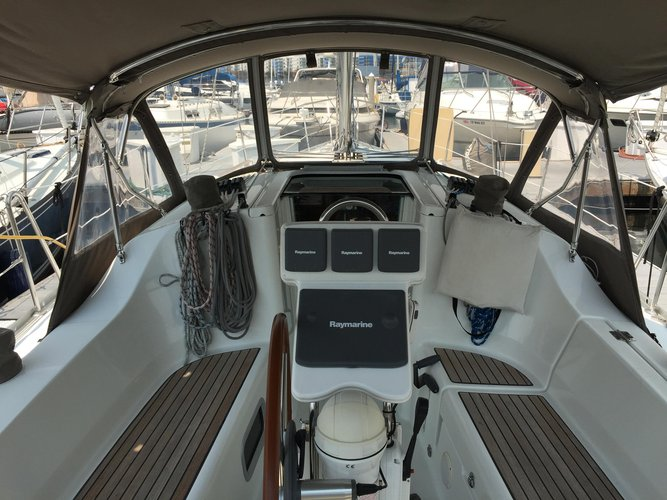 32.0 feet Beneteau in great shape