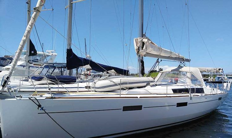 Set sail in California aboard 45' Beneteau