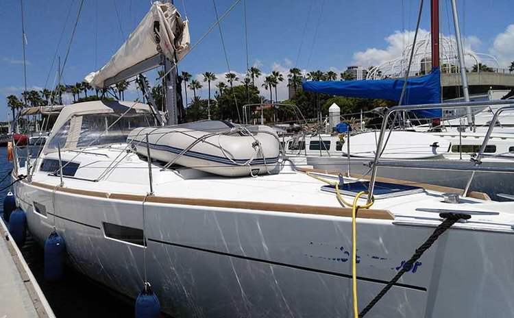 Have fun in California aboard 45' luxurious cruising monohull