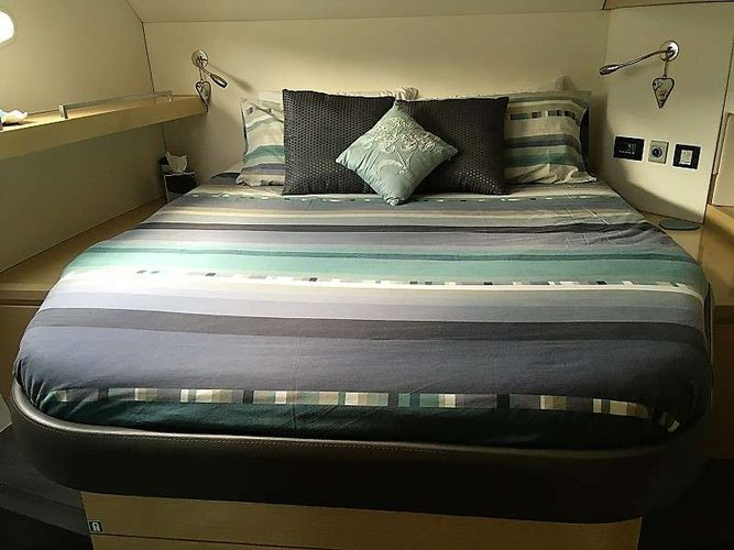 57.0 feet FOUNTAINE PAJOT in great shape