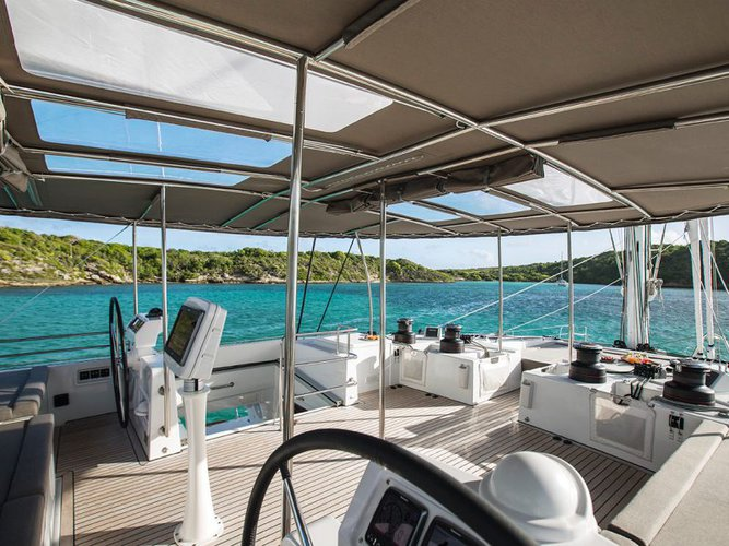 Lagoon boat for rent in Nancy Cay
