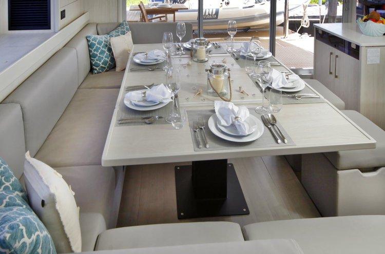 Boat for rent Leopard 58.0 feet in Nancy Cay,