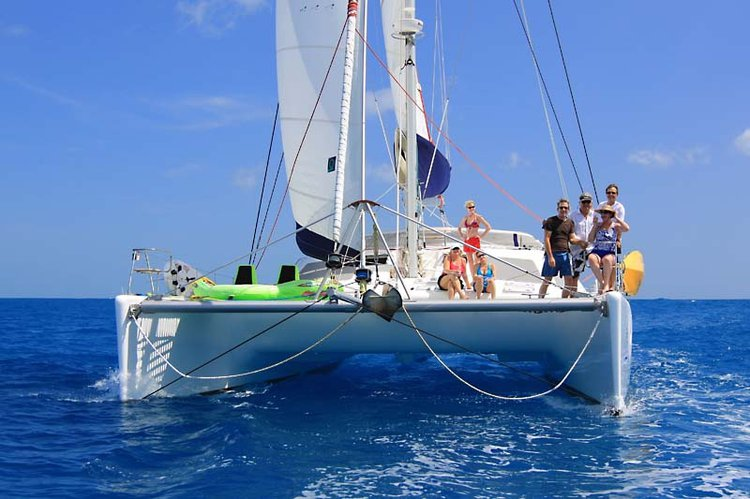 Catamaran boat for rent in Nancy Cay