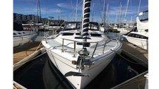 Charter a 41' cruising monohull in California