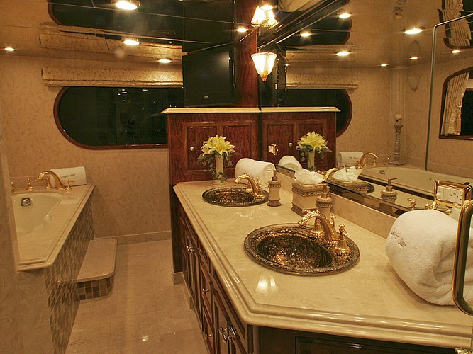 Up to 23 persons can enjoy a ride on this Mega yacht boat