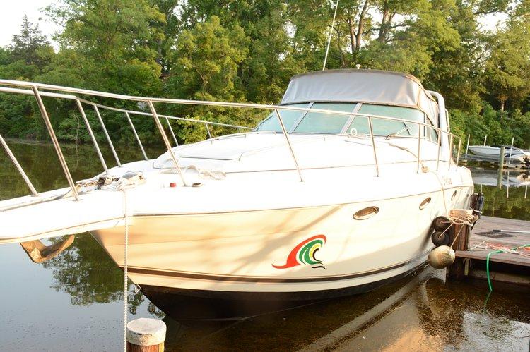 Cruiser boat rental in Londontowne Marina, MD