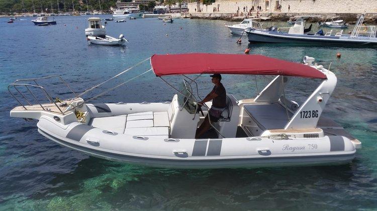 Inflatable outboard boat for rent in HVAR