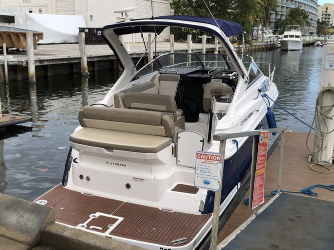 Up to 10 persons can enjoy a ride on this Express cruiser boat