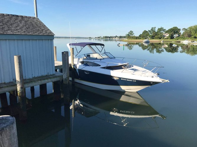 Cruiser boat rental in Mill Creek Marina, NY