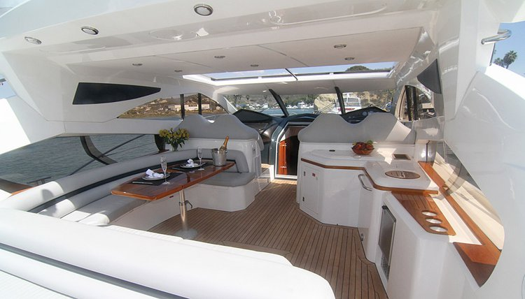 68.0 feet Sunseeker in great shape
