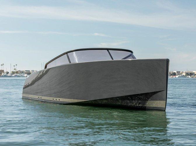 Boat rental in Newport Beach, CA