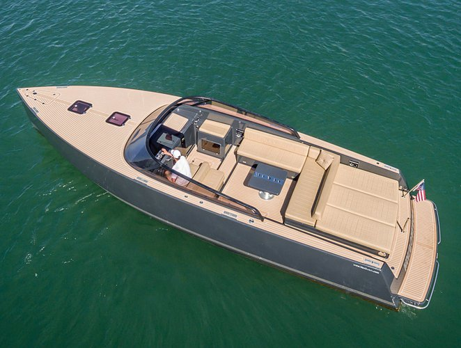 Luxurious VanDutch 40 available for charter in California