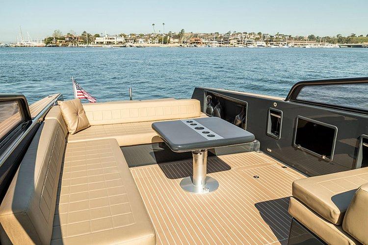 VanDutch's 40.0 feet in Newport Beach