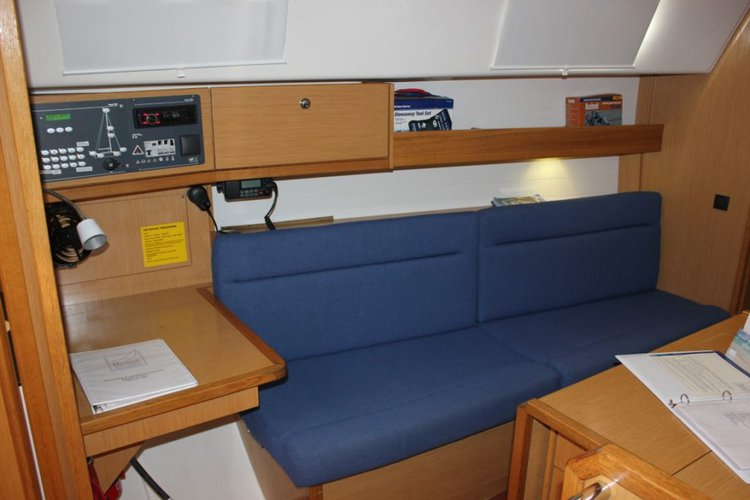 Up to 4 persons can enjoy a ride on this Bavaria boat