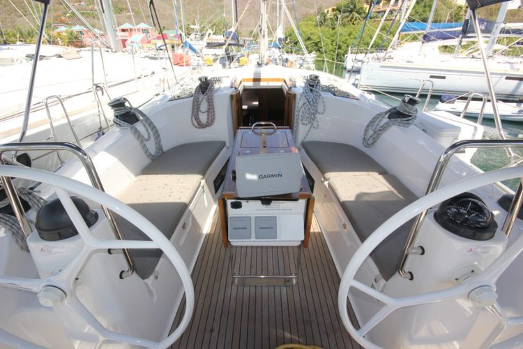 This 40.0' Bavaria cand take up to 6 passengers around St George'S