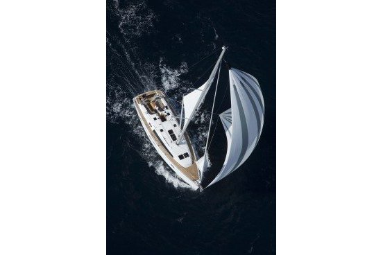 Up to 8 persons can enjoy a ride on this Bavaria boat