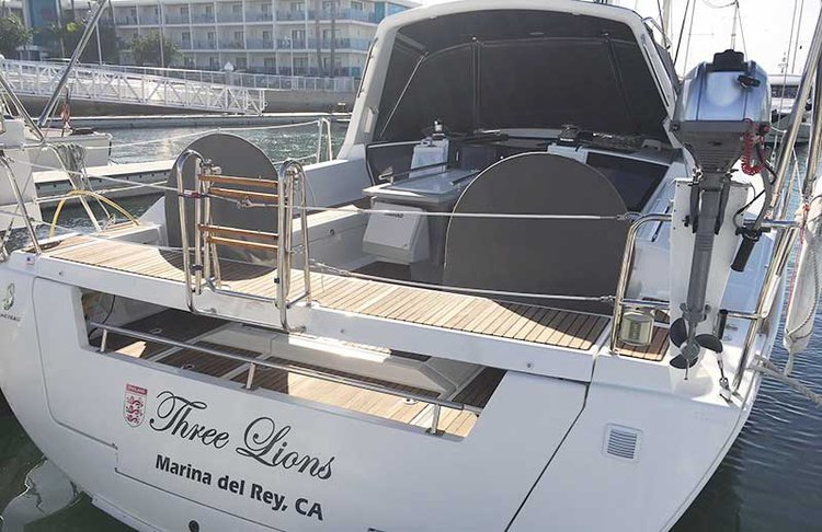 Discover Marina Del Rey surroundings on this Oceanis 41 Beneteau boat