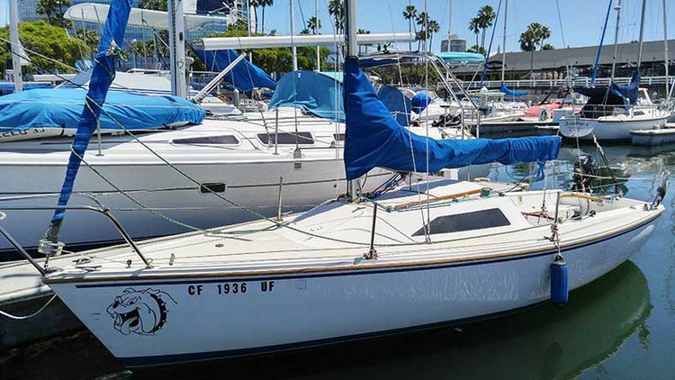 Take some time to relax on water in California aboard 22' Capri