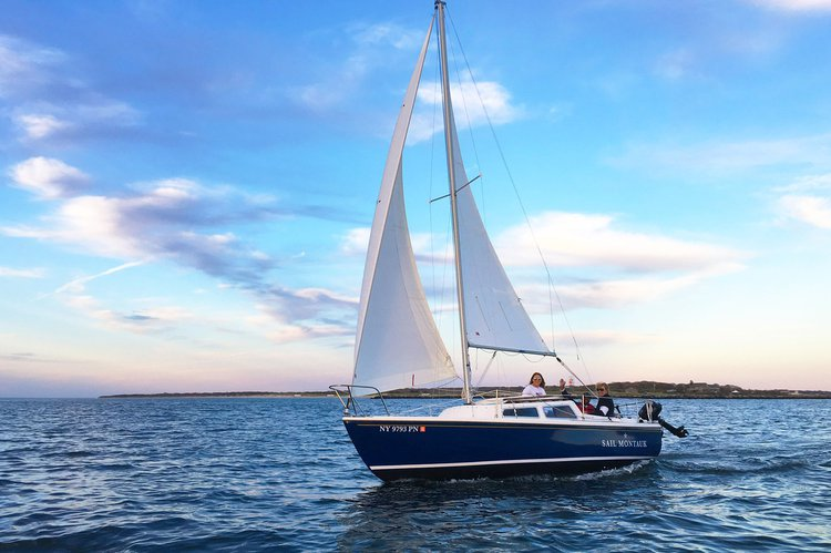 Become a true sailor in the Hamptons on our beautiful sailboats