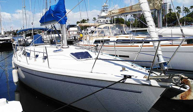 Set sail in California  aboard splendid 36' cruising monohull