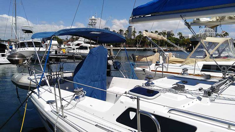 Discover Long Beach surroundings on this 36 Catalina boat