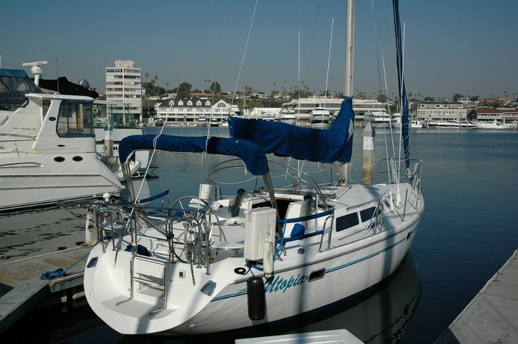 Elegant Catalina 36 available for rental in California