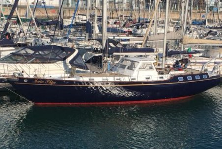 Fantastic Classic Sailboat ideal for a fun along the coast of Lisbon