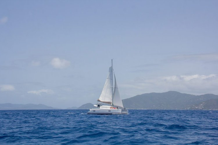 39.0 feet Fountaine-Pajot in great shape