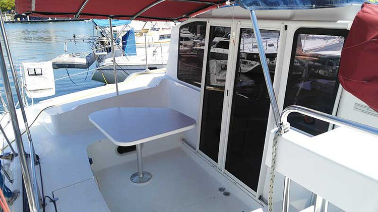 This 36.0' Fountaine Pajot cand take up to 12 passengers around Long Beach