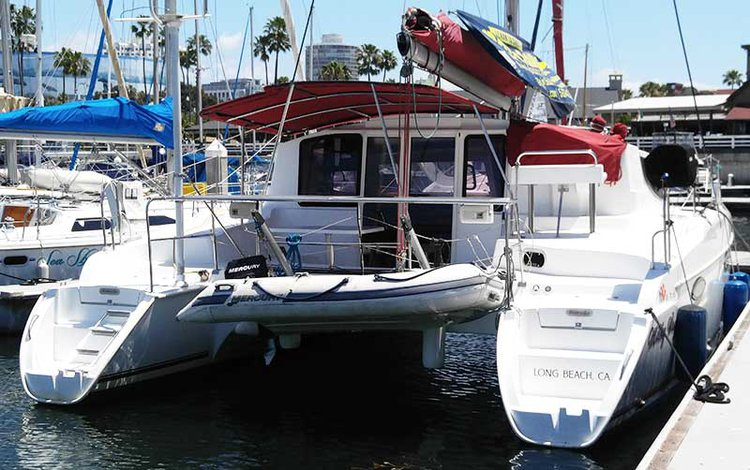 This 36.0' Fountaine Pajot cand take up to 6 passengers around Long Beach