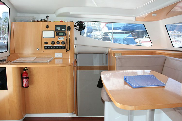 Catamaran boat for rent in Long Beach