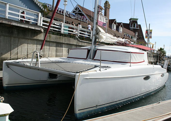 Elegant 36' CAT available for charter in California
