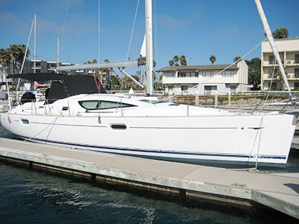 Having fun in sun in California aboard Jeanneau 42 DS