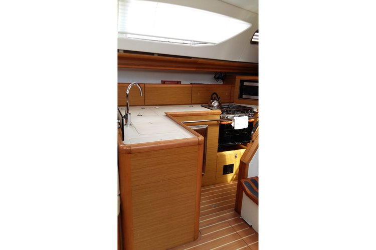 Boat for rent Jeanneau 45.0 feet in St. Vincent,