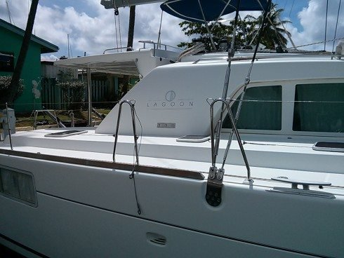 This 44.0' Lagoon cand take up to 9 passengers around St. Vincent