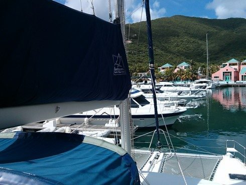 Discover St. Vincent surroundings on this 440 Lagoon boat