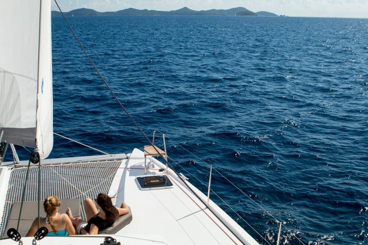Discover Nanny Cay surroundings on this Fly 46 Nautitech boat