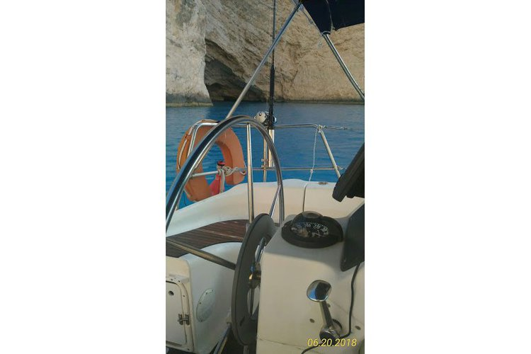 Boating is fun with a Cruiser in Lefkada