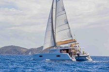 Sail through the British Virgin Islands aboard this amazing Helia 44