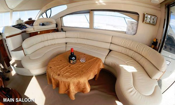 Azimut boat for rent in Laranca