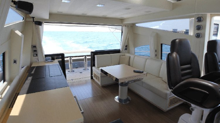 Discover Limassol surroundings on this 64HT LUXURY CRUISER CRANCHI boat