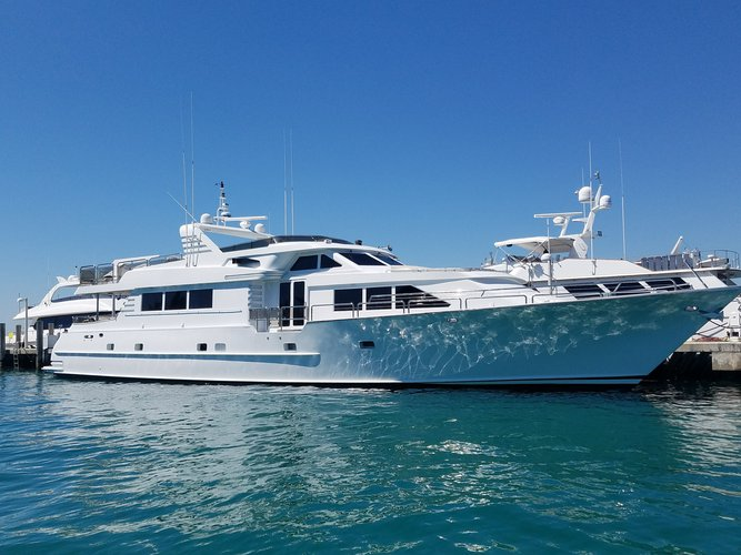 Charter this stunning 105' motor yacht in Chicago