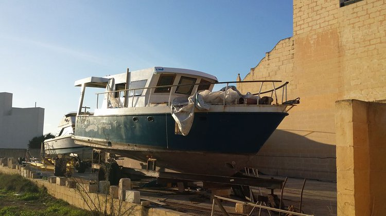 Motor yacht boat rental in Qala, Malta