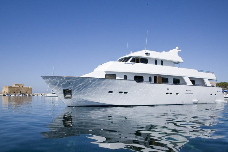 Boating is fun with a Motor yacht in Paphos