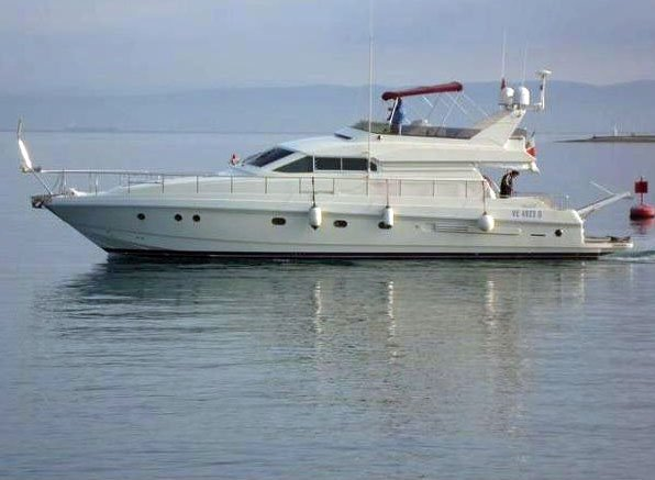 Luxurious and cozy motor yacht available for charter
